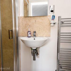 guest ensuite shower